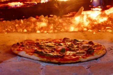 Pizza de la terrazza Bagan